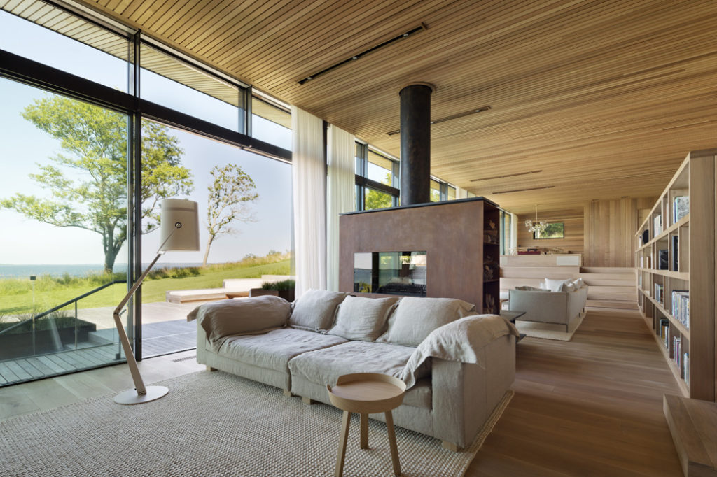 ... For The Main House, Guest House, And Site Planning, Mapos Developed The  Interior Design For The Main House, Specifying An Eclectic Combination Of  Off ...